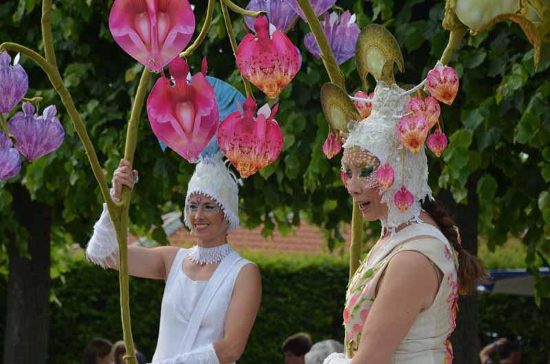 Publikumsanimation, Stelzenlauf, Feuerwerks-Festival