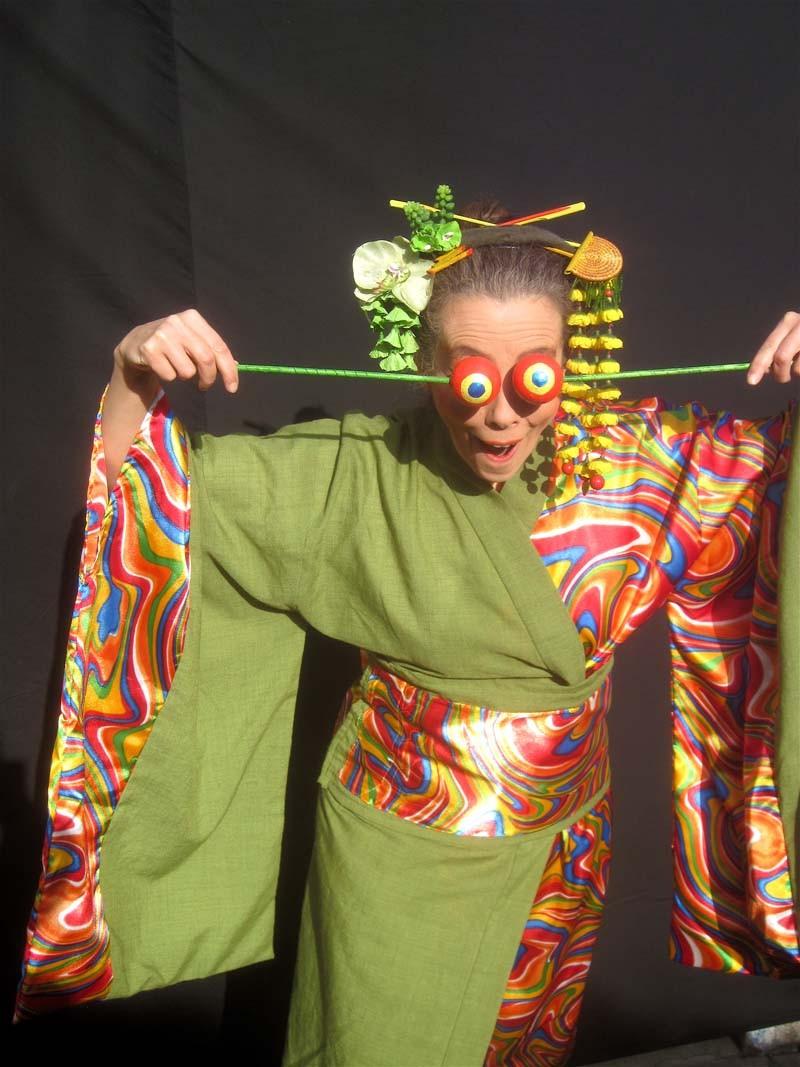 Clown-Geisha Pantao, Pantomime, Asien, asiatischer Walking Act