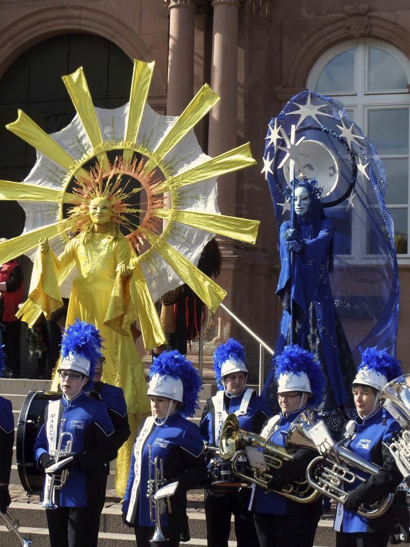 Stelzenläufer Nachtfee und Sonne, Straßentheater-Festival Zweibrücken,Pantao