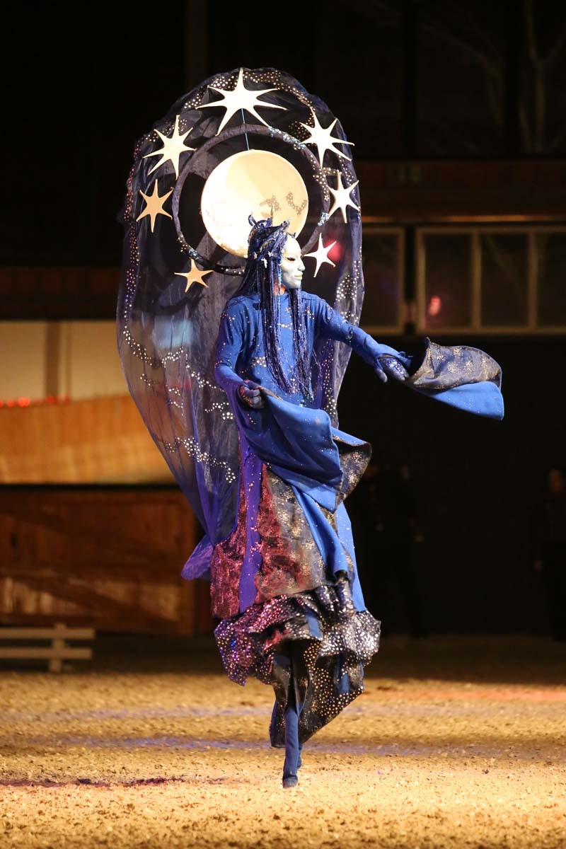 Mond-Walkact, Nachtfee, Gala, Pferdeshow Aachen,Pantao