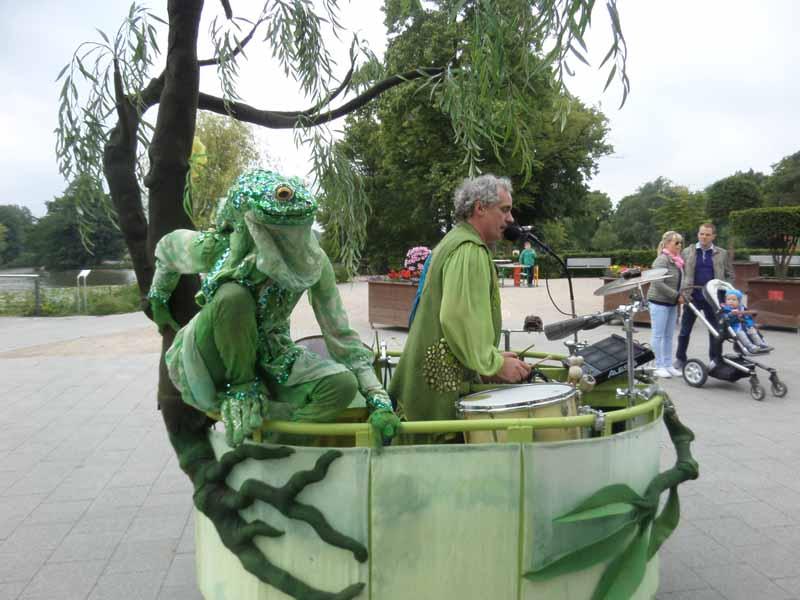Frosch und Bonsai Beat Boat