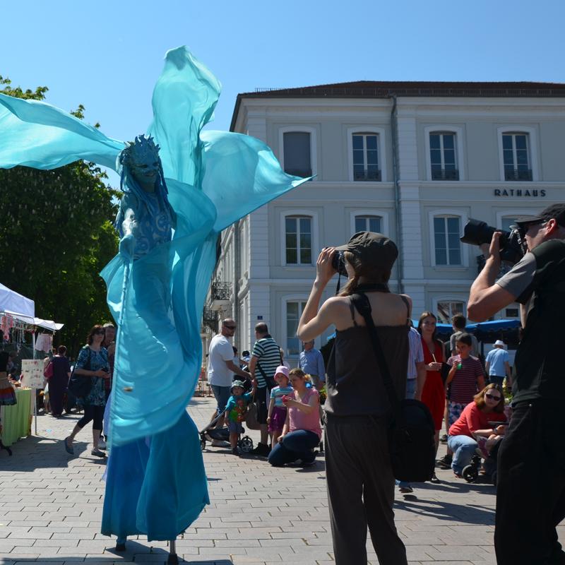 Straßentheater Festival Zweibrücken, Stelzenläufer  Wasser, Walking Act