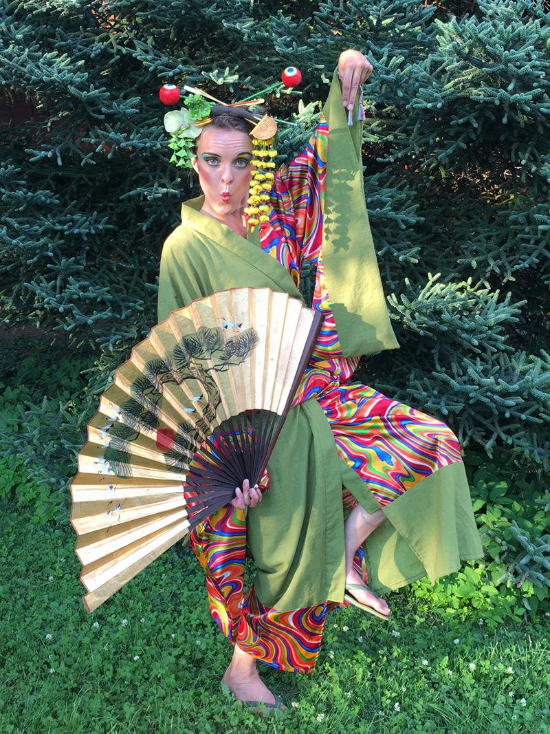 Walking Act Asien, Qi Gong, Clown-Geisha, Botanischer Garten Berlin