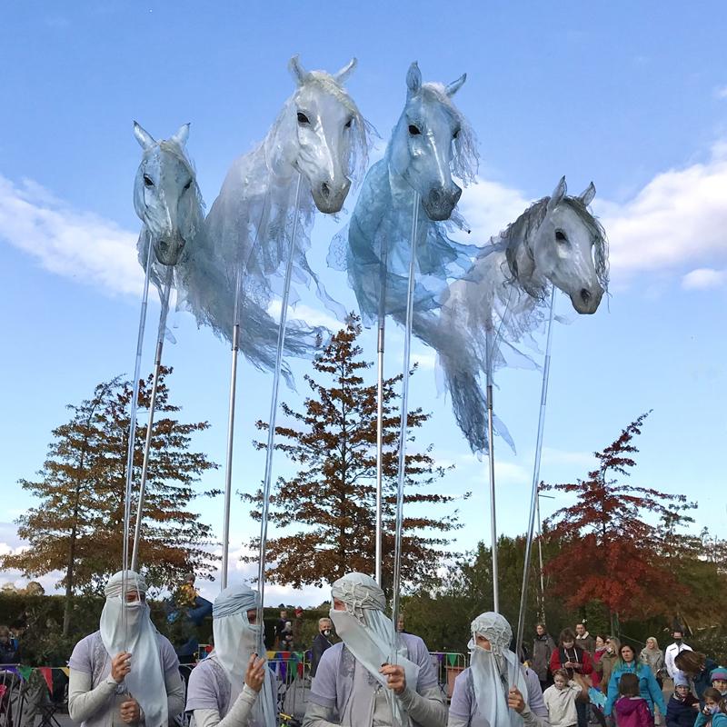 Luftwesen, Pferde walking act, horse walking act, Pferdeshow, Horseshow, Spectacle du chevaux