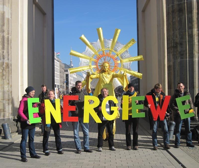 Stelzenläufer Sonne, Brandenburger Tor Berlin, Pantao