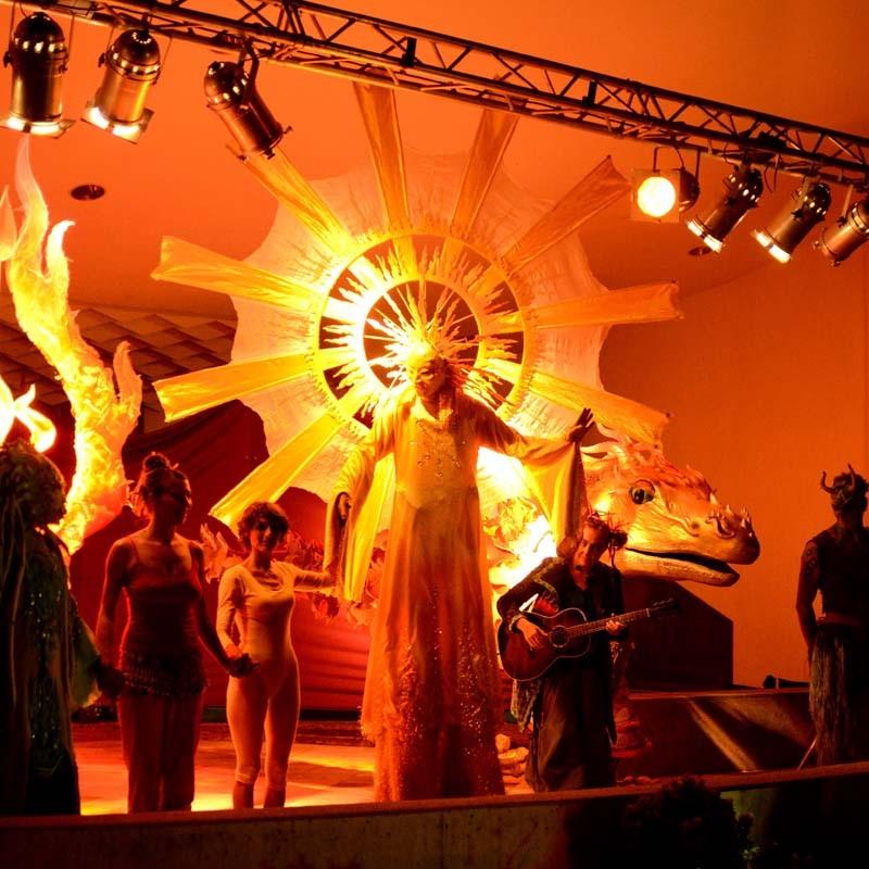 Sonne und Drache Märchenfestival Wattens, Österreich Pantao