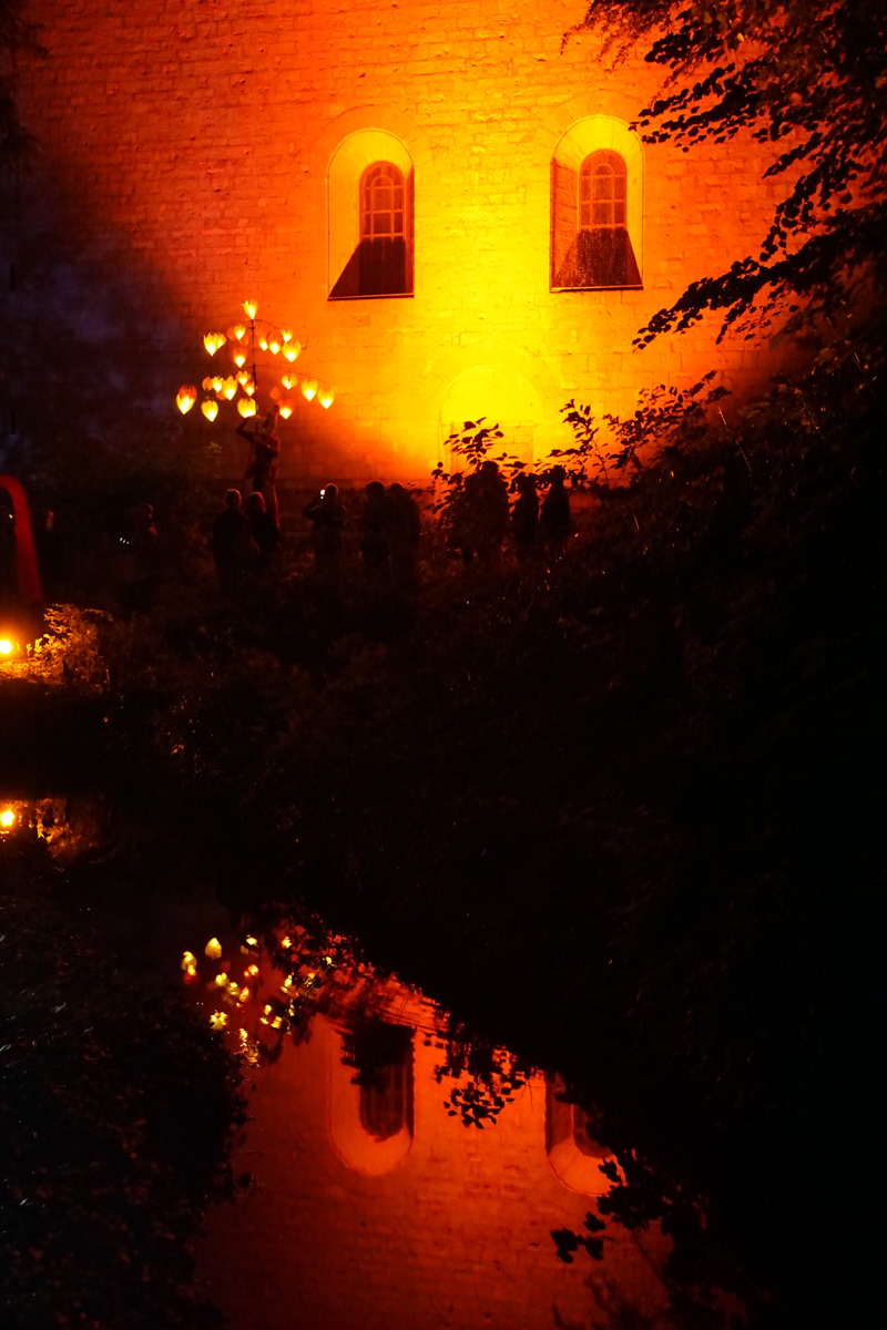 Traumlichtträger Pantao, Sommernacht am Kaiserdom Königslutter.