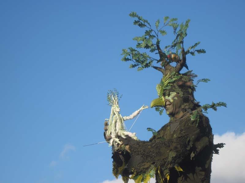 Vogelbaum Pantao, Walking Act Stelzenlauf Bäume, Wald, Vogel.