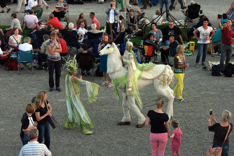 Weisser Hirsch und Waldelfe Hellevi, Feuerswerks-Festival Hannover