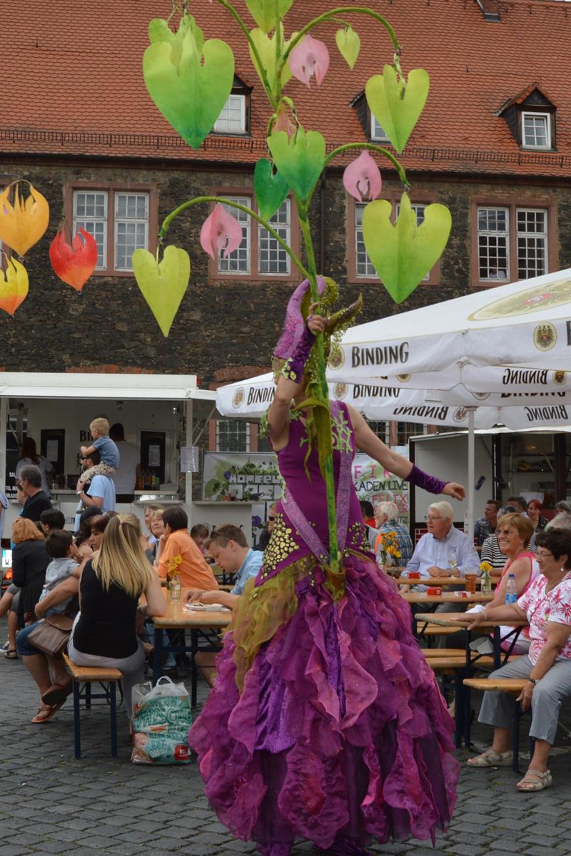 Stelzenläufer mit Licht, Lamboyfest Hanau