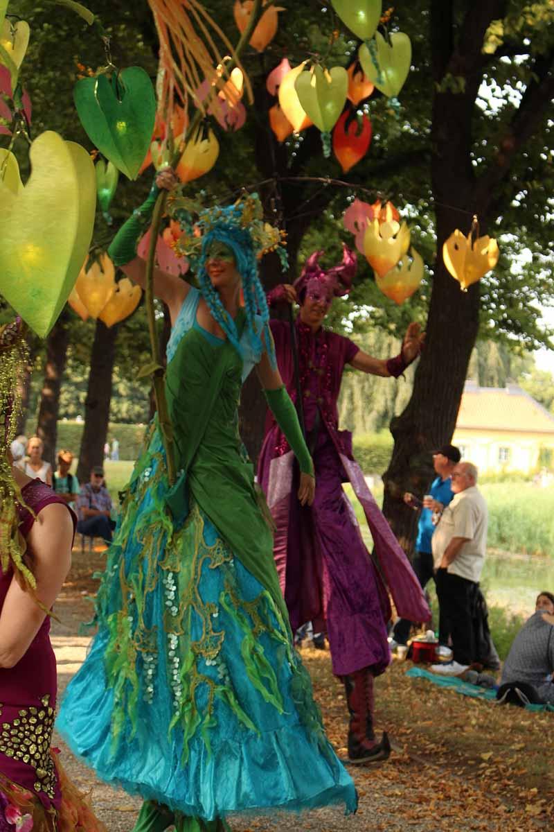 Stelzenläufer Parade der Lichtwesen, Kleines Fest im großen Garten Hannover