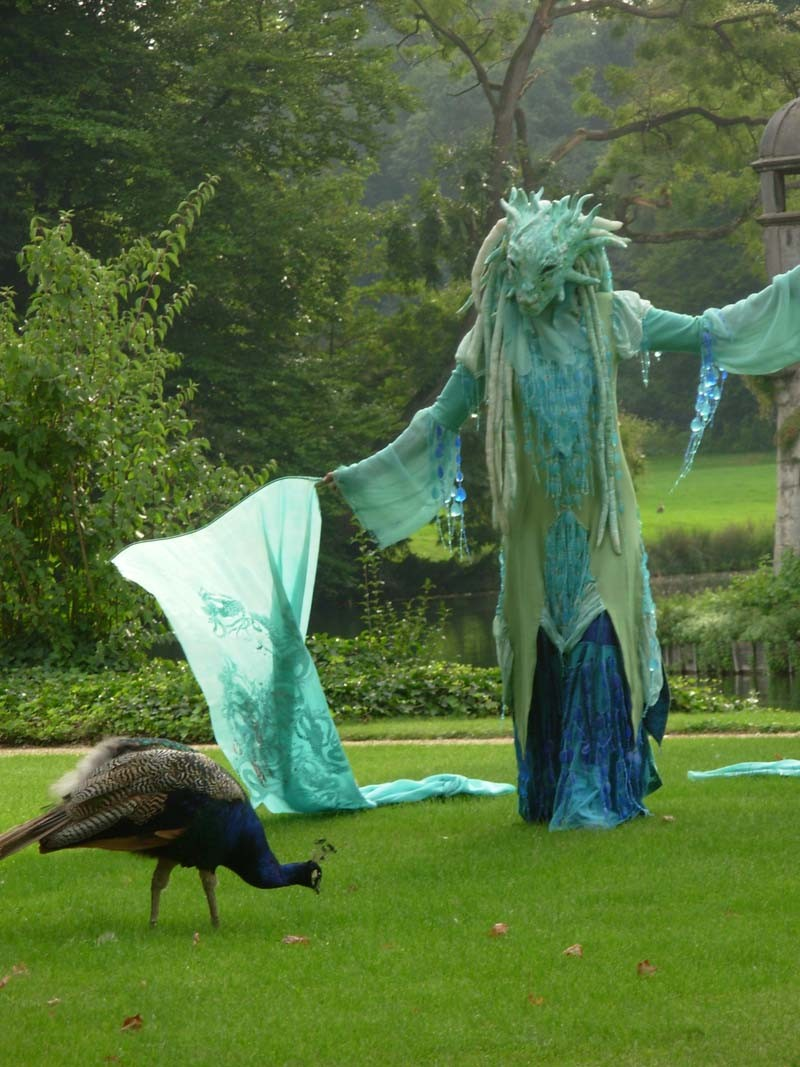 Wasserfrau Pantao, Schloss Dyck,  Walk Act, Wasser Tanz Maske