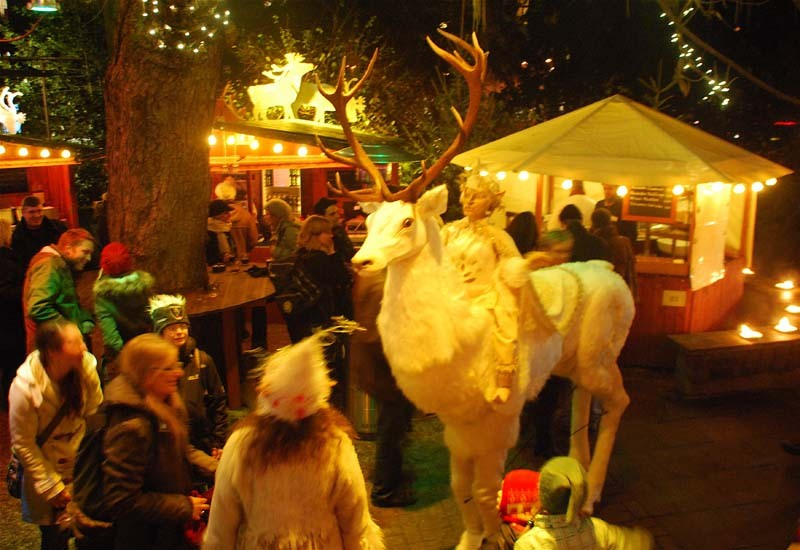 Weißer Hirsch Pantao Weihnachtsmarkt, Stadtgarten Köln